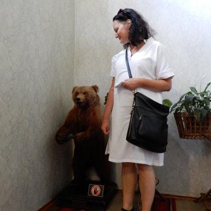 Min kone Miriam sammen med sin bedste ven,  i familien Tolstojs hjem (nu museum) i Moskva